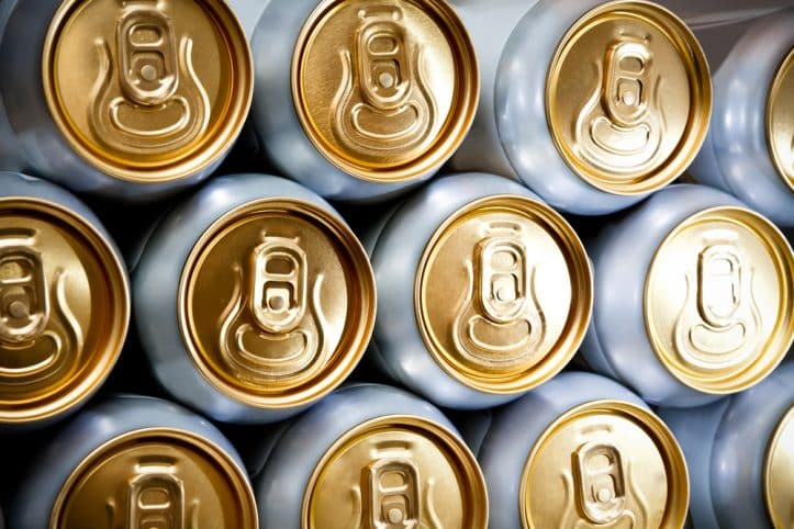DUI hot police pursuit- Image of beer cans