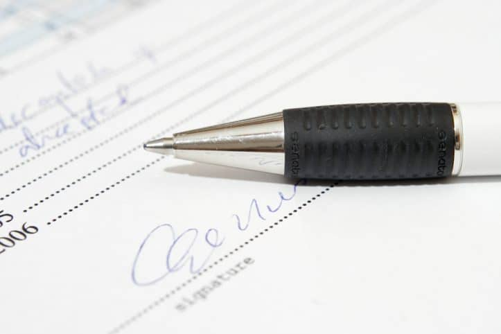 Virginia criminal law- Image of pen and document