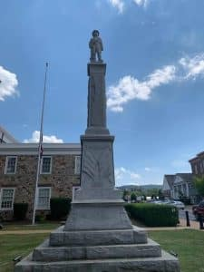 Fairfax judges issue plan of action to address systemic racism- Photo of Warren courthouse confederate memorial